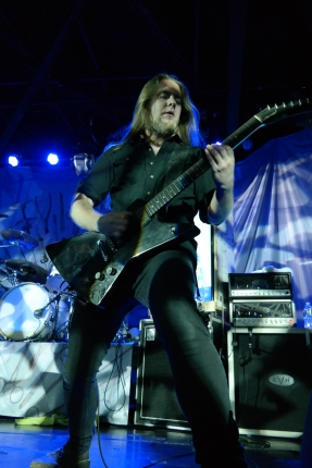 Guitarist Ben Ash, who joined Carcass in 2013, brought plenty of energy and fan interaction to his side of the stage.